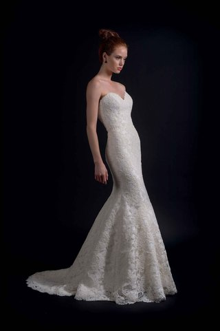 modern-trousseau-fall-2016-strapless-lace-wedding-dress
