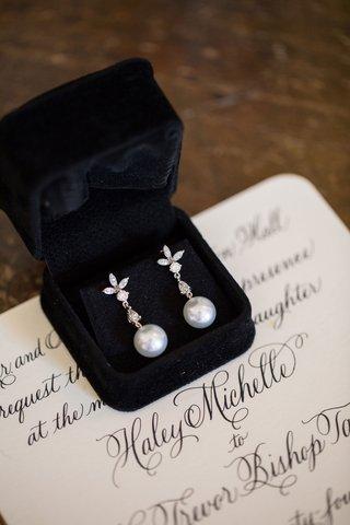 wedding-invitation-calligraphy-black-velvet-ring-box-pearl-drop-diamond-earrings-for-bride