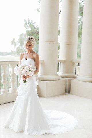 bridal-portrait-wedding-photo-strapless-angel-rivera-wedding-dress-with-bouquet-flowers-by-cina
