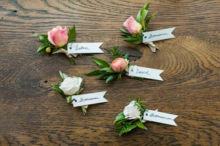 wedding-ceremony-boutonnieres-for-fathers-groomsmen-and-the-groom