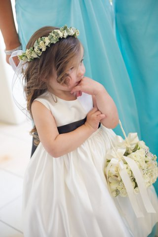 joanna-krupas-flower-girl-with-basket-and-headband