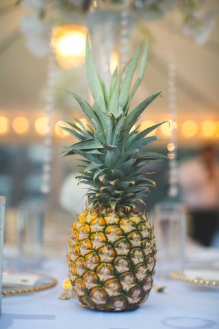 hawaii-wedding-on-island-of-maui-fresh-pineapple-wedding-decorations-on-table-centerpiece-reception