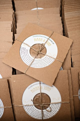 wedding-favor-cds-in-kraft-chipboard-sleeves-bound-by-twine