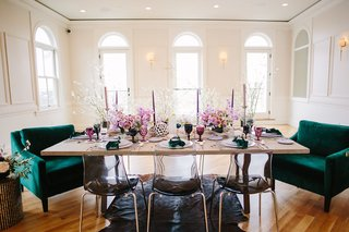 green-velvet-chairs-black-ghost-chairs-intimate-wedding-reception
