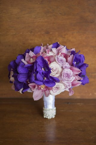violet-and-pink-orchids-and-roses-in-ribbon