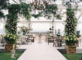 marriott-family-wedding-greenery-lake-house-shabby-chic-decorations-greenery
