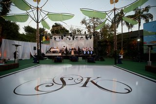 entertainment-stage-at-san-diego-zoo-reception