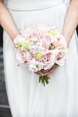 soft-bridesmaids-bouquet-pale-pink-roses-pale-peach-roses