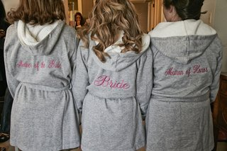 bride-and-bridesmaids-in-grey-plush-robes