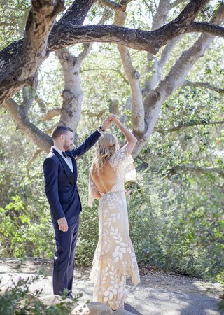 bohemian-bride-and-groom-couple-dance-in-forest-in-santa-barbara-california