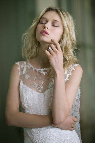 claire-pettibone-fall-winter-2016-scallop-no-sleeve-wedding-dress-with-illusion-high-neck