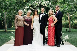 wedding-of-jillian-murray-and-dean-geyer-family-members-in-burgundy-red-dresses-and-ties-to-match