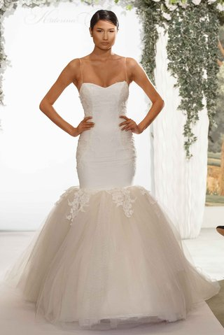 katerina-bocci-2017-bridal-collection-madeline-spaghetti-strap-wedding-dress-mermaid-gown-lace