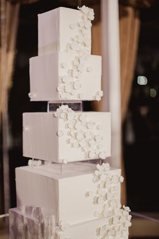 modern-wedding-cake-with-square-tiers-and-cascading-sugar-flowers