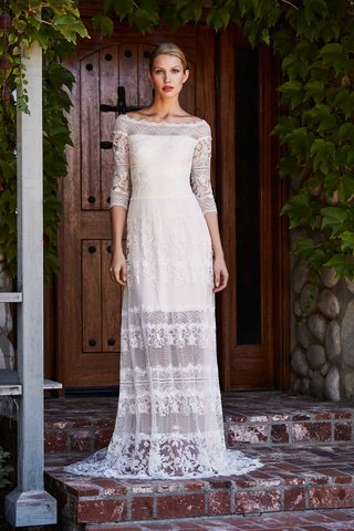 tadashi-shoji-fall-2018-ballet-collage-lace-boat-neck-floor-length-gown