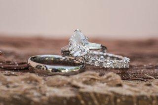 wedding-engagement-ring-pear-teardrop-shape-diamond-baguette-side-stones-wedding-rings