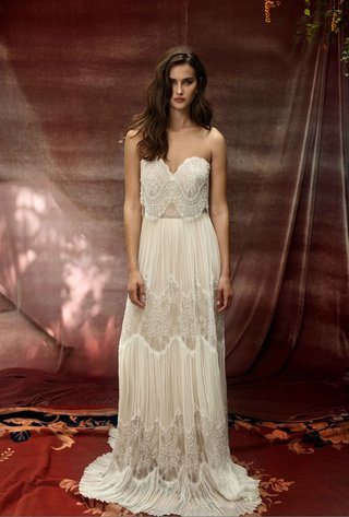 lihi-hod-2016-strapless-lace-crop-top-with-pleated-and-lace-sheath-skirt
