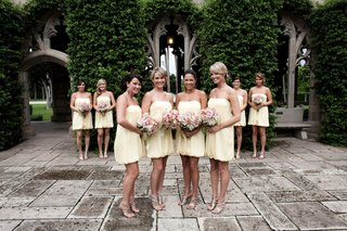 bridesmaids-in-short-bubble-dresses-with-strappy-heels