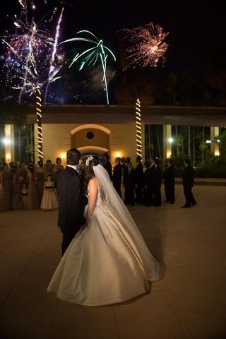 florida-wedding-with-surprise-firework-show