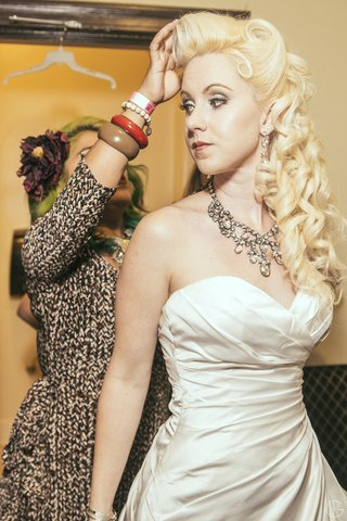 bride-getting-hair-done-wearing-costume-diamond-necklace
