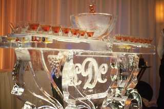 ice-sculpture-bar-with-ice-bucket-and-wedding-monogram