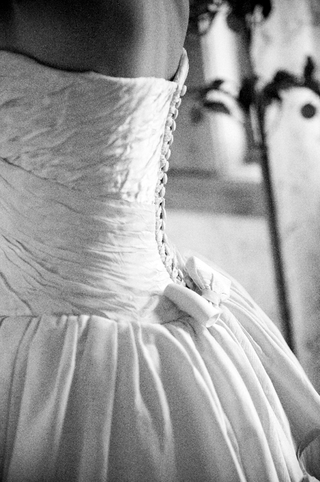 black-and-white-photo-of-hermes-button-bodice