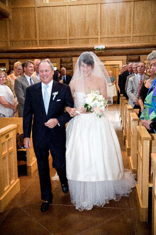 father-of-the-bride-and-bride-at-ceremony