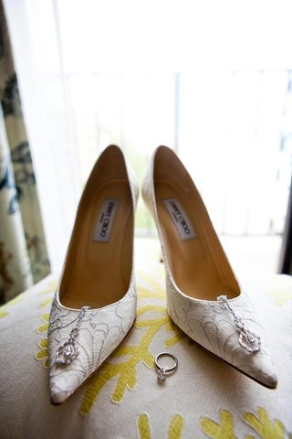 pointy-toe-white-lace-jimmy-choo-bridal-heels