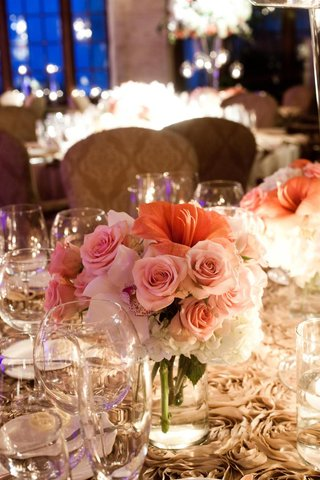 flower-wedding-centerpiece-with-rose-and-amaryllis-flowers