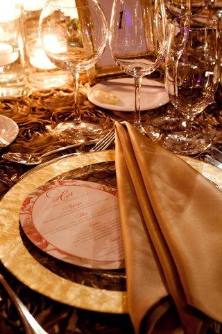 fall-wedding-plate-menu-card-and-gold-linen-napkin
