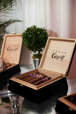 graycliff-cigar-boxes-filled-with-purple-label-cigars