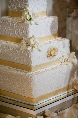 square-four-layer-cake-with-lace-design