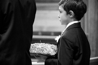 black-and-white-photo-of-ring-bearer-pillow