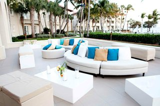 oceanfront-lounge-area-with-white-modern-furniture