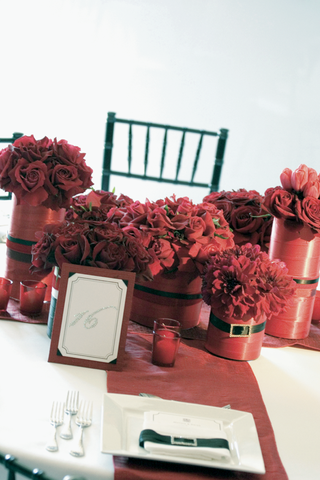 red-wedding-reception-decorations-and-red-flowers