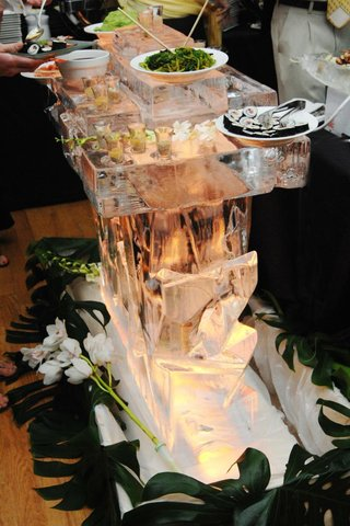ice-sculpture-bar-for-sushi-station-at-wedding-reception