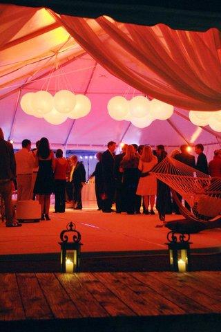 beach-wedding-tent-reception-with-paper-lanterns