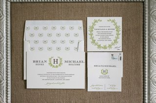 green-and-white-themed-wedding-invitations-with-laurel-wreath