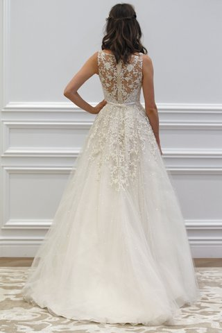 anne-barge-tulle-wedding-dress-with-lace-embroider-back