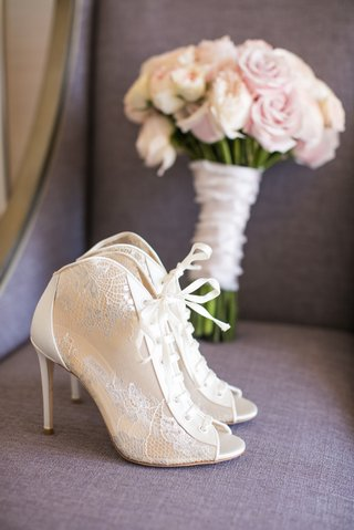 brides-lace-up-booties-peep-toe-wedding-heels-shoes-ivory-design-pink-bouquet