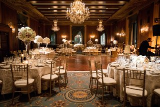 renaissance-room-at-intercontinental-chicago-gold-wedding-reception-crystal-chandelier