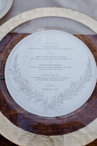 gold-charger-plate-round-menu-card-laurel-wreath-design-three-course-meal
