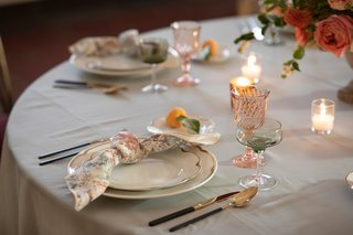 softly-patterned-napkin-tied-in-a-knot-at-the-place-settings-wedding-styled-shoot