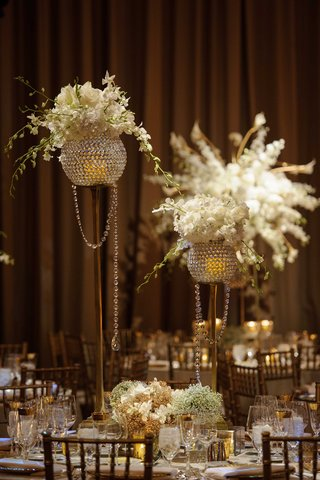 new-years-eve-wedding-reception-decor-crystal-and-floral-centerpieces