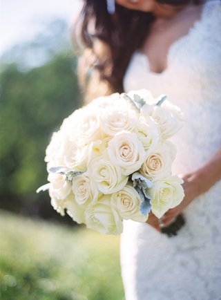 rustic-wedding-bouquet-with-roses-and-dusty-miller