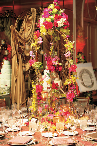 bohemian-and-colorful-flower-and-branch-centerpiece