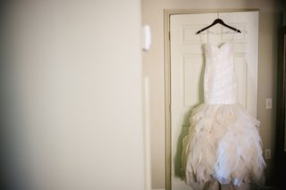 strapless-wedding-dress-with-ruffled-skirt