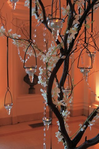 branch-centerpiece-with-crystals-orchids-and-candles