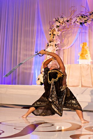 cultural-reception-entertainment-with-indian-sword-dance