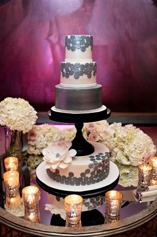 modern-wedding-cake-with-black-stand-sugar-flower-and-silver-polka-dots